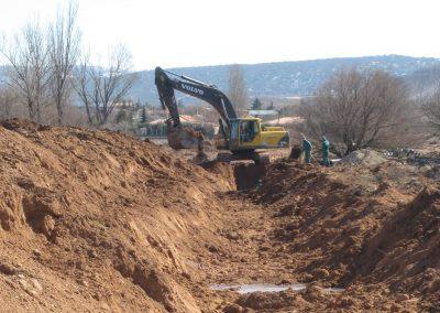 Constr. Colector de aguas residuales en Castralvo